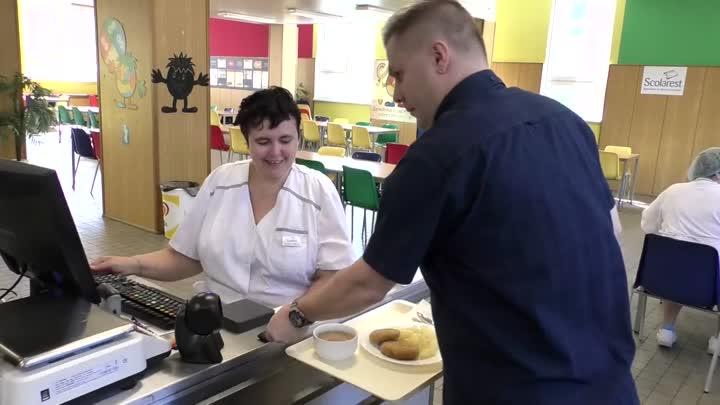 Tanvald zavedl nový objednávkový systém obědů pro ZŠ