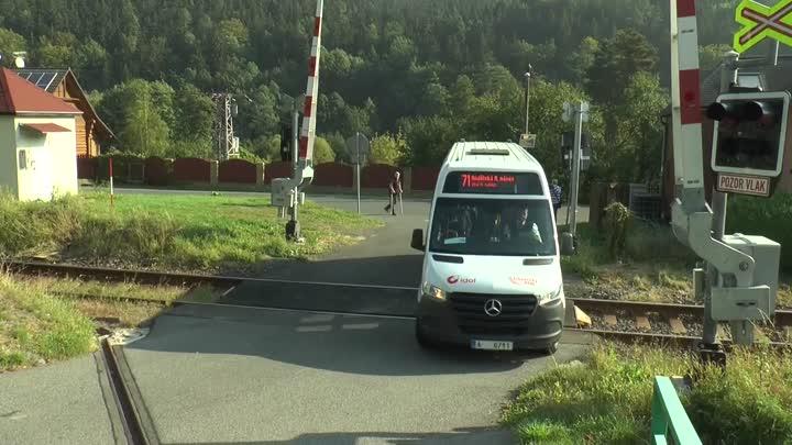 Chrastavské děti budou jezdit do školy novým autobusem