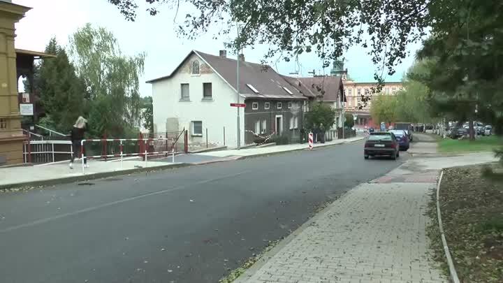 Husova ulice ve Frýdlantu je po rekonstrukci opět průjezdná