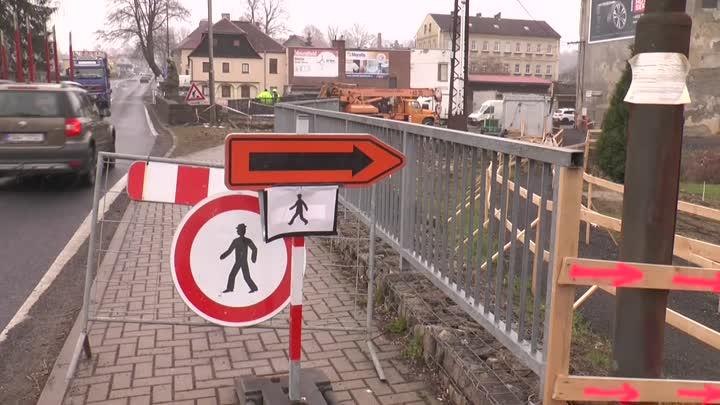 V Rumburku probíhá kompletní rekonstrukce lávky v Pražské ulici