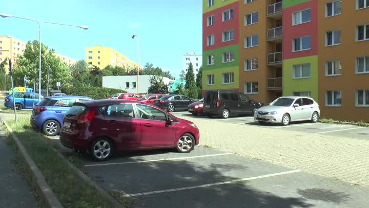 Česká Lípa chce zmapovat problematické lokality na parkování
