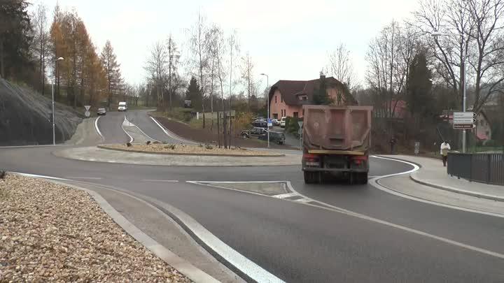 V Jilemnici otevřeli zrekonstruovanou silnici