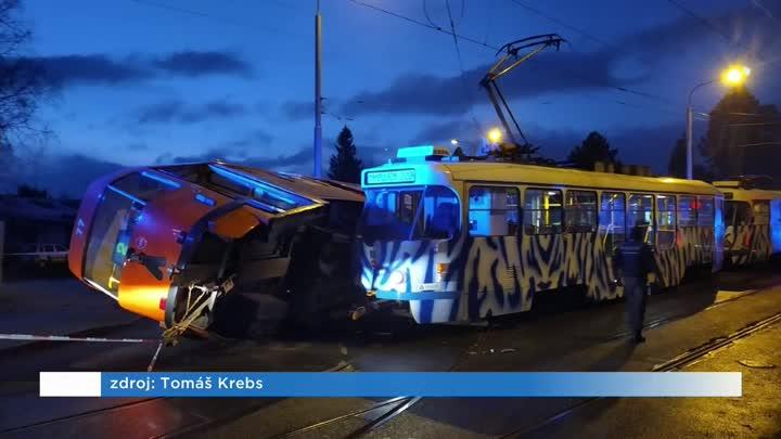 V Dolním Hanychově v Liberci se srazily dvě tramvaje