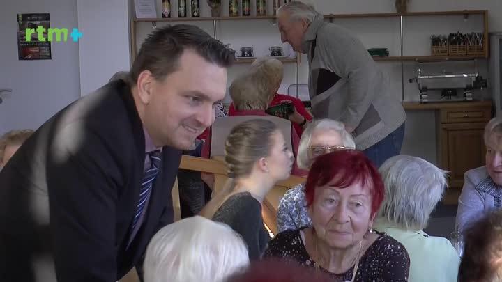 Vedení Jablonce nad Nisou oslavilo Štědrý den s osamělými seniory