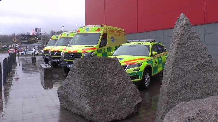 ZZS LK má deset nových sanitek a lékařských aut