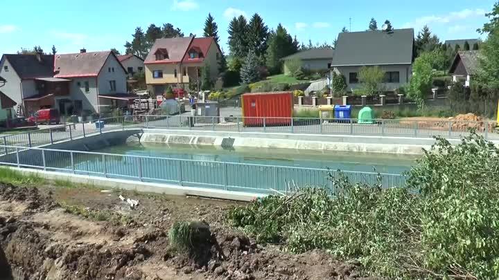Ohrazenice začaly s revitalizací okolí požární nádrže