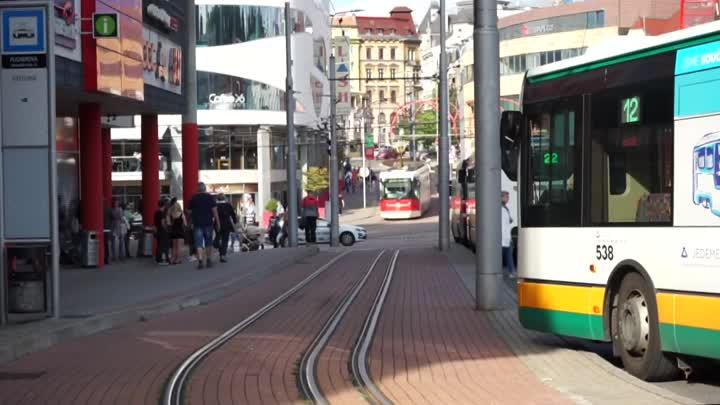 Autobusem, tramvají - červen 2020