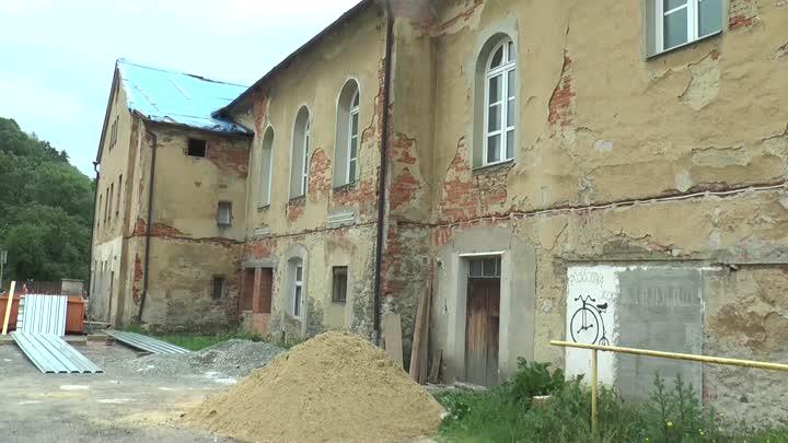 Oprava bývalé restaurace ve Skalici u České Lípy je v plném proudu