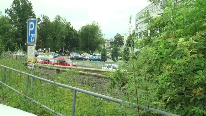 Projekt na rekultivaci okolí krajského úřadu stále pokračuje